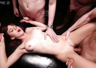 Naughty babe enjoys gangbang