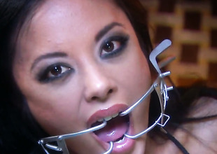 Lascivious harlot Kaylani Lei holds say no to mouth wide open during the grow older that getting cummed on