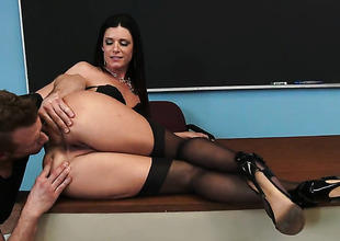 India Summer fucks like theres thimbleful tomorrow at hand dewy action with hard dicked guy Bill Bailey