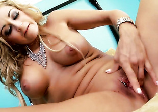 Latina Claudia Valentine gives a closeup of her slit as that babe masturbates