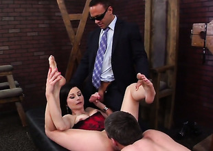 Veruca James is licentious as fuck after sucking Kurt Lockwoods tool