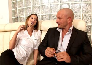 Sexy secretary goes the doodah mile to service her boss's cock