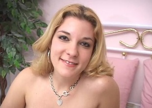 Randy babe in POV video giving hot blowjob sex to her boyfriend