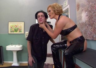A mistress in leather makes the brush slave eat the brush wazoo out