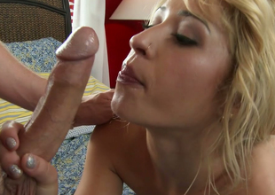 Sexy blond chick Goldie Ortiz gives great blowjob in hawt foreplay