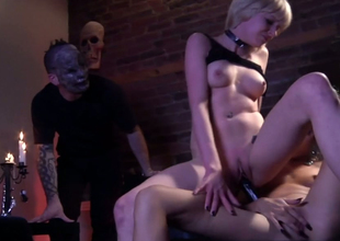 Lesbian bitches Hellizabeth and Ges Spade fuck close to dealings toys