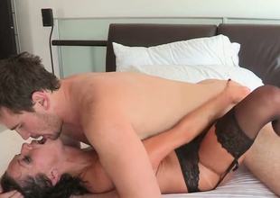 Lecherous unilluminated hoe Veronica Avluv gets nailed by Manuel Ferrara