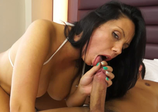 Delicious brunette hoe is nailed deep in her cunt in sideways position