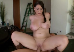 Girl on top makes curvaceous Noelle Easton cum hard