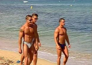 The dudes on this beach side foot it begin out just glancing around and smiling, but then a spontaneous dance party kicks off, and nobody's looking away.  Addict butts, cut torsos and potent jocks garnish the boardwalk, until the boys decide close to receive close to find worthwhile ea