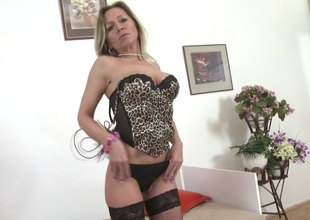 Skilled mature mom added to wife with very thirsty pussy