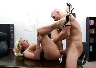 Devon Lee with big shoddy plays with Johnny Sinss stiff love stick before that babe takes it in say no to mouth