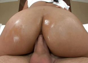 Big ass Cassandra Cruz fucked in her chocolate hole