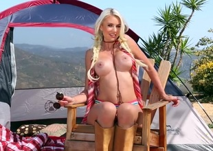 Camping hottie Gigi Allens is a perfect blonde