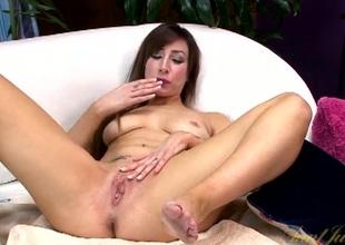 Penny-pinching milf bounces in a sexy bikini