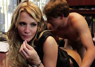 Jessica drake lets man immure his boner in her mouth