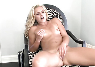 Lena Nicole has a nice time toying her wet spot