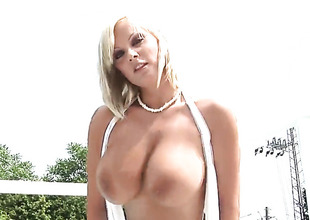 Filly Grant down huge tits and bald snatch gives pleasure to in the flesh the way she can't live without it