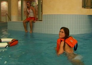 Swimming instructor permeates a glamorous teen's shaved wet chink