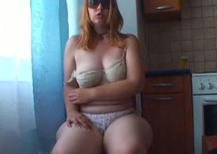 Nasty face haired call-girl in sunglasses pets her hungry bushy snatch with bagatelle