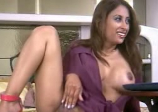 Frisky Indian model is poking her vagina with sex toy