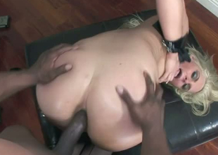 Bootyful Caucasian slut is blacked in hardcore scene