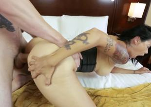 Corseted milf slut Dana Vespoli drilled up the ass