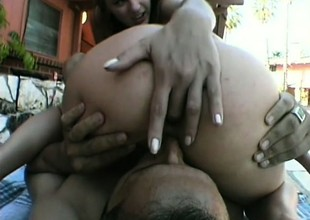 One favourable man has a sexy undergo to remember with 2 hot babes