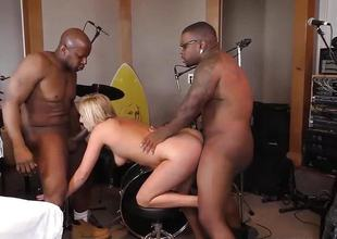 Kate England does 3some around 2 black cocks