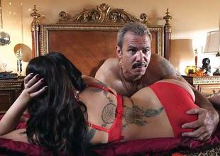 London Keyes drilled in her charming pussy pud by the affix man