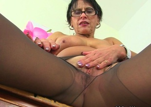 British milf Raven tweaks say no to tights for facile access