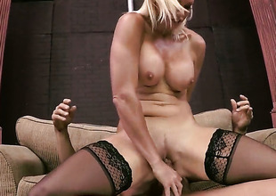 Rhylee Richards enjoys intercourse with her fuck buddy Tommy Gunn too much to stop