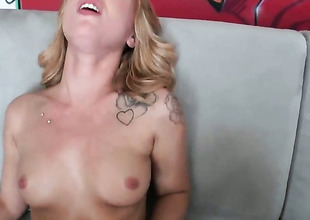 Blonde Lucy Tyler less at arm's length butt plus hairless beaver strokes her beaver six ways from Sunday