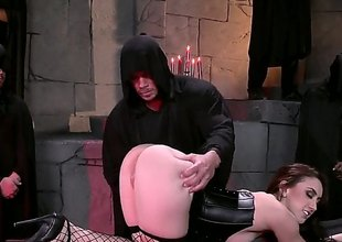 Brunette hair with a really big ass, Mandy Muse, is in black lingerie, black fishnet stockings and shes sliding to love this bondage time whirl location theyre putting her arse to the analyse