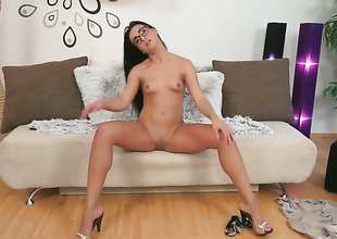 Brunette gets down all by herself