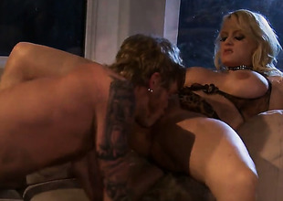 Breathtakingly sexy pornstar Stormy Daniels lets guy stick his thick ram rod in her mouth