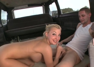 Alluring lover is given a oversexed and lascivious sex offering