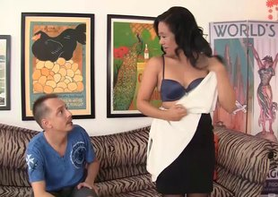 Lustful Asian mom needs some barring from a younger dude