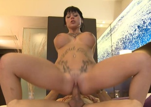 Jenny Hard Kneels Down to Perform a Perfect Blowjob in the first place the Street