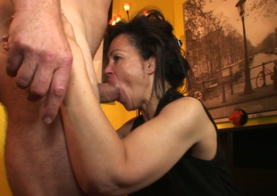 Aroused brunette plow Elektra Lamour sucks and rides hard penis