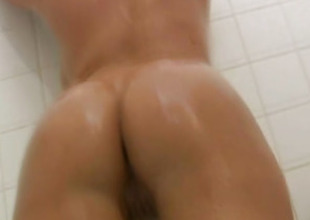 Latina Beauty Shows Her Unvarnished Body In the Bathroom