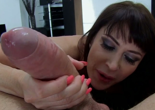 Brunette mommy with giant boobs Eva Karerra gives head to Manuel Ferrara