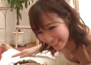 Hitomi Oki amazes with her soft skills nigh engulfing weenie