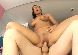 A voluptuous golden-haired honey takes a sticky load of cum to rub-down the face