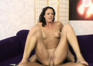 His big ramrods stretches her MILF pussy when he fucks her hard