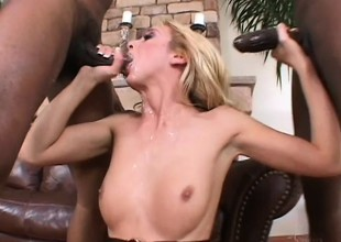 Kelly in an interracial threesome gets 2 pumping and a inconsolable DP