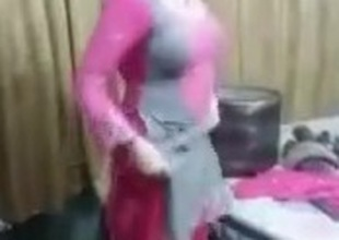 Lahore girl dance