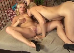 Kissing and titty sucking blonde lesbian babes