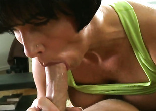 Brunette Shay Fox with kewl bottom makes mans sexual fantasies a reality