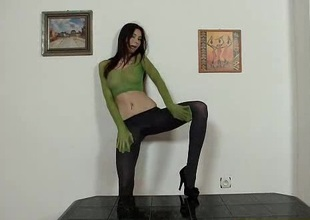 Alluring leggy brunette puts pantyhose on her head in the long run b for a long time masturbating